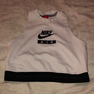 NWOT Nike workout Top